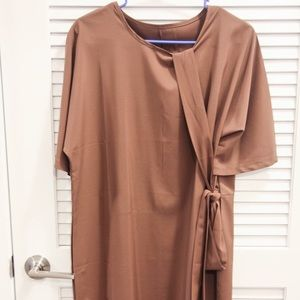 Dresses & Skirts - 70s silky brown dress with belt